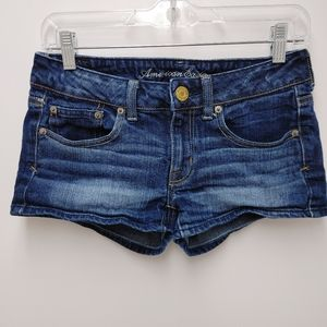 American Eagle Stretch Low Rise Jean Shorts Size 4